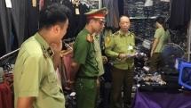 Phát hiện hàng nghìn sản phẩm thời trang có dấu hiệu hàng giả tại chợ Ninh Hiệp