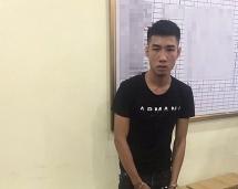 khoi to doi tuong mang 2460 bao thuoc la ngoai nhap lau di ban