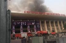 Khói lửa bốc ngùn ngụt tại Cung Văn hoá hữu nghị Việt Xô