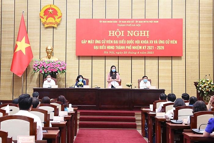 đồng chí: Nguyễn Lan Hương, Ủy viên Ban Thường vụ Thành ủy, Chủ tịch Ủy ban MTTQ Việt Nam Thành phố phát biểu tại Hội nghị.