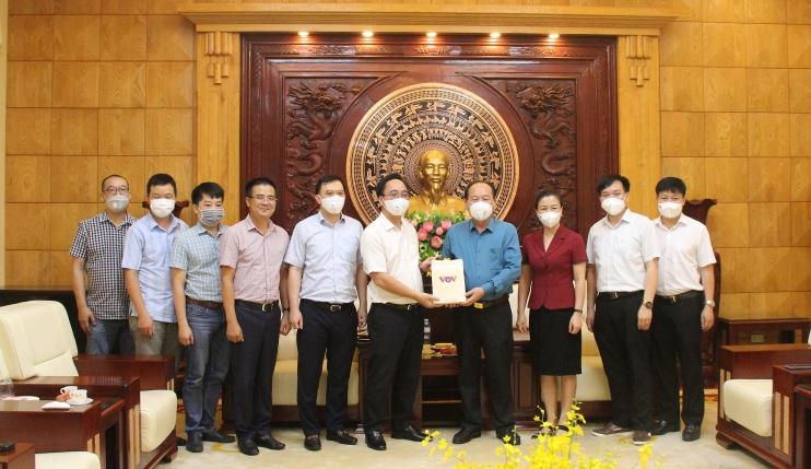 Đài Tiếng nói Việt Nam ủng hộ tỉnh Bắc Giang 500 triệu đồng để chống dịch Covid-19