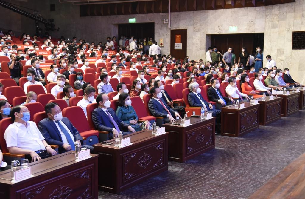 Đại biểu dự chương trình
