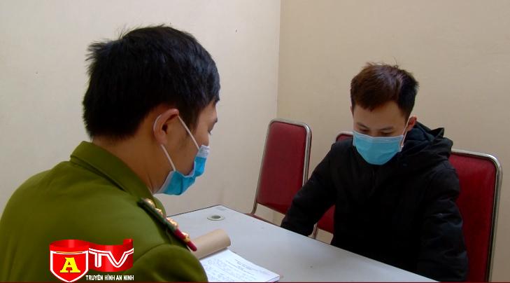 Công an huyện Sóc Sơn bắt giữ đối tượng vấn chuyển pháo trái phép