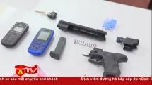 Dùng súng nhựa xông vào công ty cướp tài sản