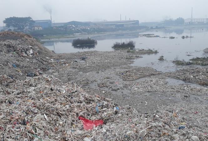 """Đề nghị xử lý nghiêm """"nguồn"""" khiến sông Cầu bị ô nhiễm"""