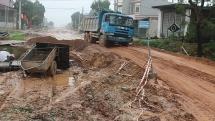 """Bắc Giang: Cận cảnh con đường """"đau khổ"""" vì chậm tiến độ tại Hiệp Hòa"""