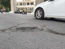 Những nguy hiểm rình rập người đi đường tại dự án đường sắt tuyến Metro Nhổn - Ga Hà Nội