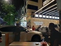 """Không chỉ xây dựng sai phạm, Green Pearl còn bị cư dân """"nổi loạn"""" vì thu phí trông giữ xe quá cao"""