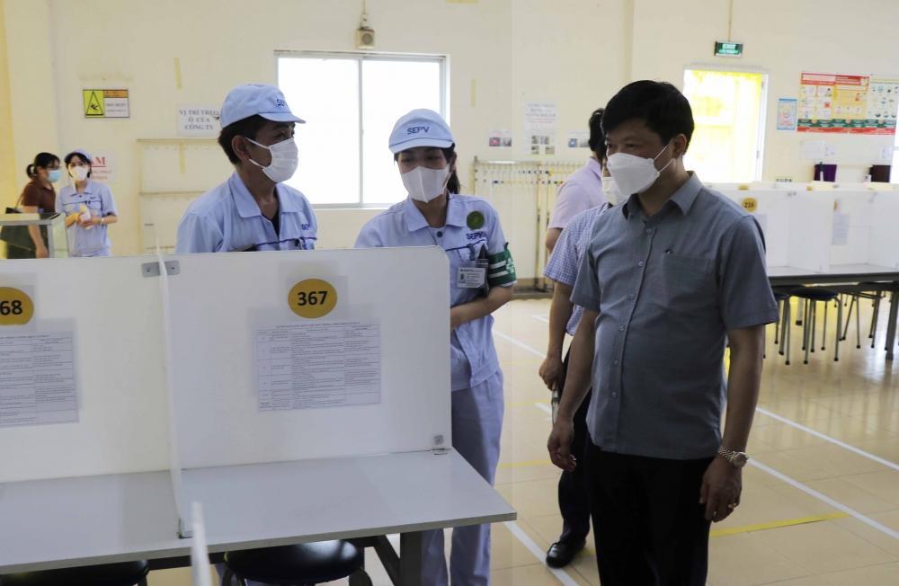 Lãnh đạo tỉnh Bắc Ninh kiểm tra công tác phòng, chống dịch tại KCN Tiên Sơn