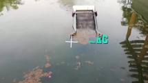 Nhóm sinh viên Đà Nẵng sáng chế máy thu gom rác dưới nước