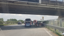 """Cảnh tượng """"hỗn loạn"""" dưới các gầm cầu vượt trên Cao tốc Hà Nội - Bắc Giang"""