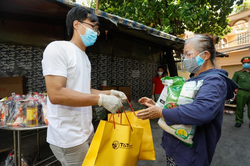 T&T Group tặng 100.000 suất quà tổng trị giá 30 tỷ đồng cho người dân TP HCM