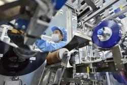 Sản xuất công nghiệp nhiều địa phương bị ảnh hưởng nặng nề vì Covid-19