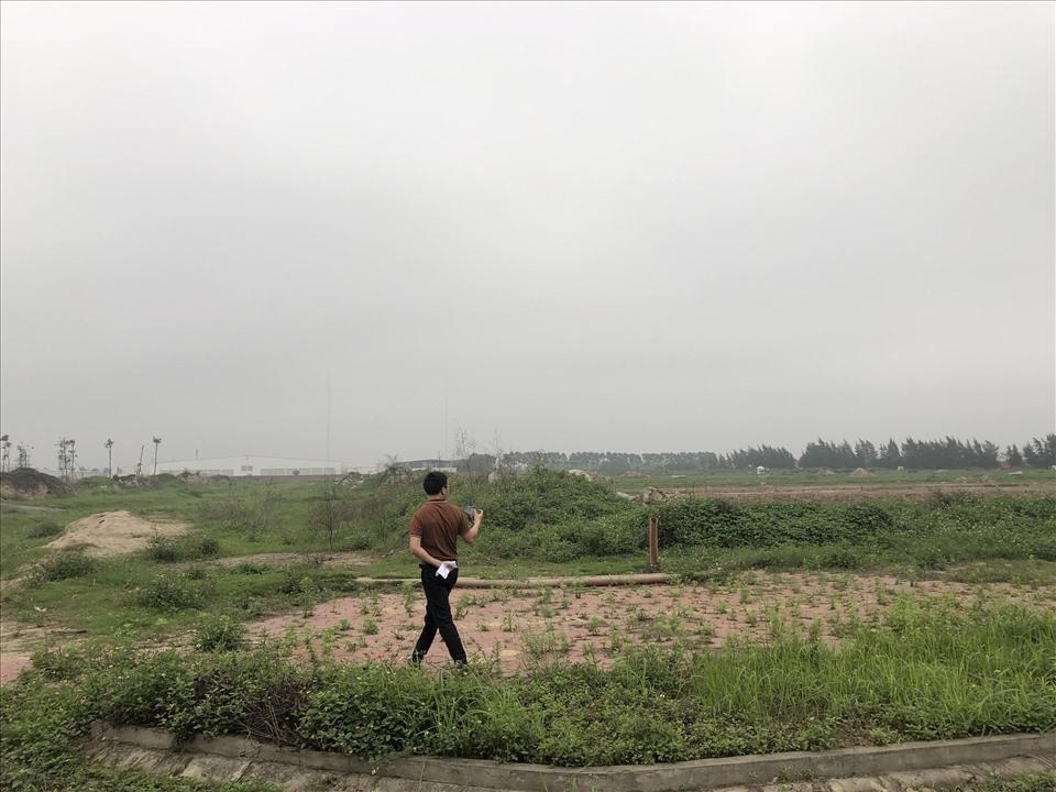 Nhiều nhân viên môi giới bất động sản trong thời điểm này rất khó khăn. Ảnh Cao Nguyên.