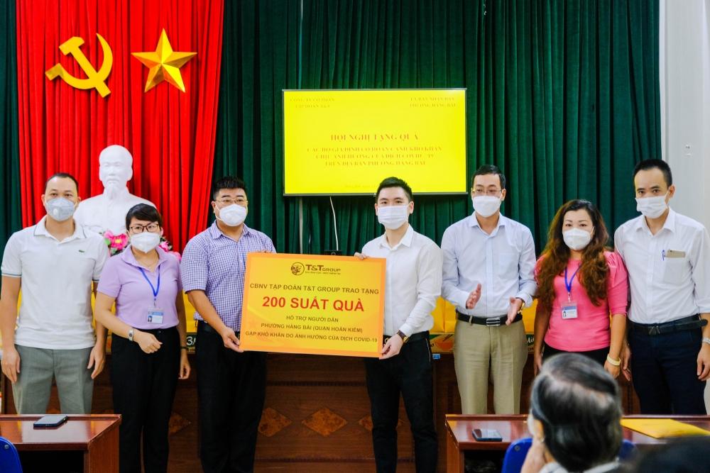 T&T trao tặng 3.000 suất quà cho người dân Hà Nội bị ảnh hưởng bởi Covid-19