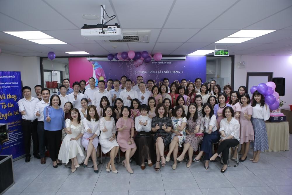 """Văn Phú – Invest được vinh danh giải thưởng """"Nơi làm việc tốt nhất Châu Á"""" ngay trong lần đầu tham dự."""