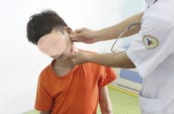 Chủ tịch UBND tỉnh Bắc Ninh chỉ đạo làm rõ vụ 2 cháu bé bị bạo hành