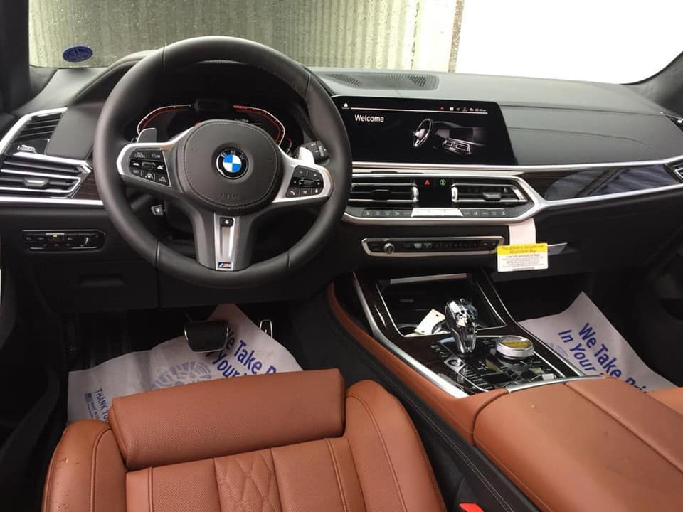 bmw x7 lien tiep ve viet nam them 1 phien ban mau noi that cuc chat