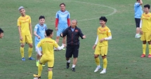 U23 Việt Nam lại có thêm 2 cầu thủ phải tập riêng với bác sĩ