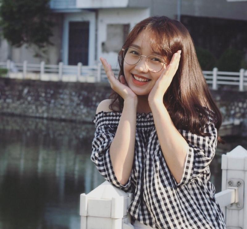 can bo hoi nang dong xinh dep truong thuong mai
