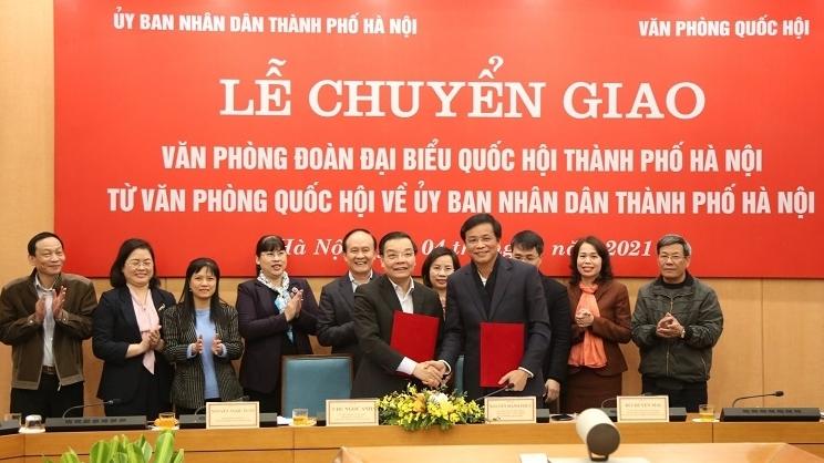 Chuyển giao Văn phòng Đoàn đại biểu Quốc hội TP Hà Nội từ Văn phòng Quốc hội về UBND TP