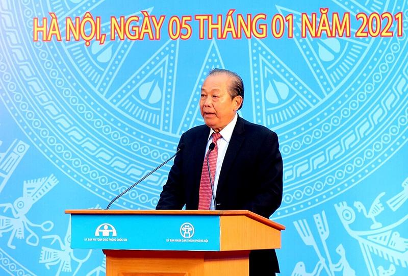 Phó Thủ tướng Thường trực Chính phủ Trương Hòa Bình phát biểu tại Lễ phát động ra quân Năm An toàn giao thông 2021