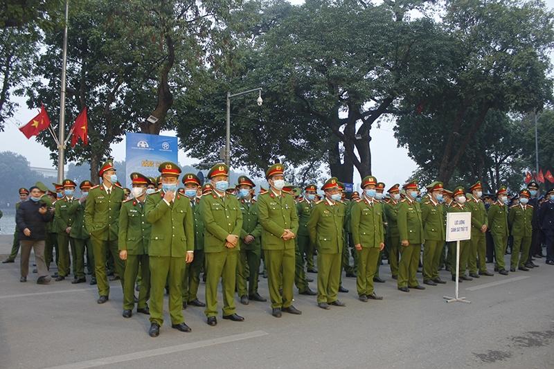 Phó Thủ tướng Thường trực Chính phủ yêu cầu xử lý nghiêm vi phạm giao thông, không vì Tết mà nể nang