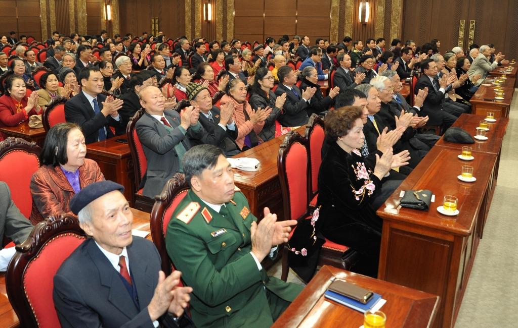 Hà Nội gặp mặt các thế hệ đại biểu quốc hội thành phố