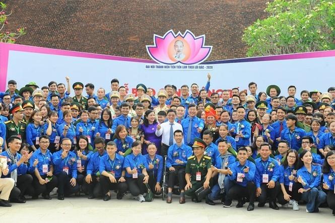 Các đại biểu tham dự Đại hội chụp ảnh lưu niệm
