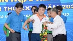 Cậu học trò khuyết tật liên tục giành vị trí số 1 trong hội thi Tin học trẻ