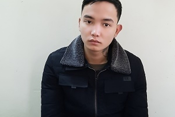 Vụ bắn vào xe Dương Minh Tuyền: Kẻ nổ súng đang lẩn trốn