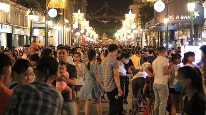 Hà Nội yêu cầu hạn chế các lễ hội, sự kiện đông người, đảm bảo đón Tết an toàn