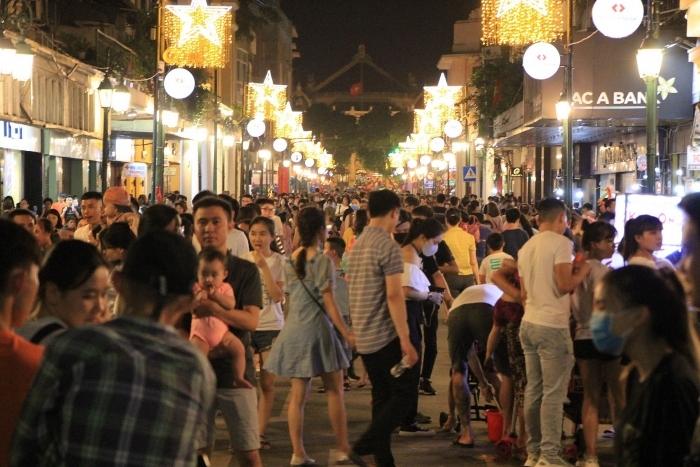 Thành ủy Hà Nội yêu cầu có giải pháp phòng chống dịch tại phố đi bộ hồ Hoàn Kiếm