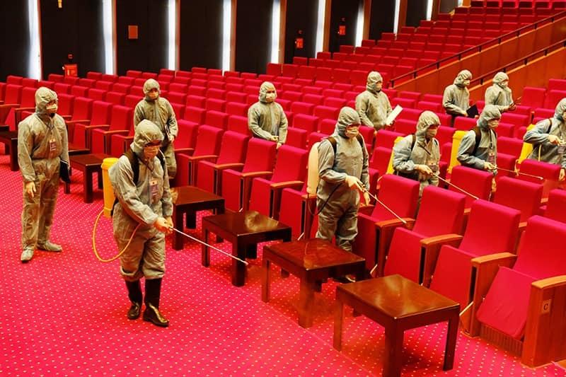 Diễn tập khử khuẩn trong hội trường