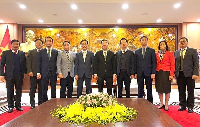 Các đại biểu tham dự buổi tiếp