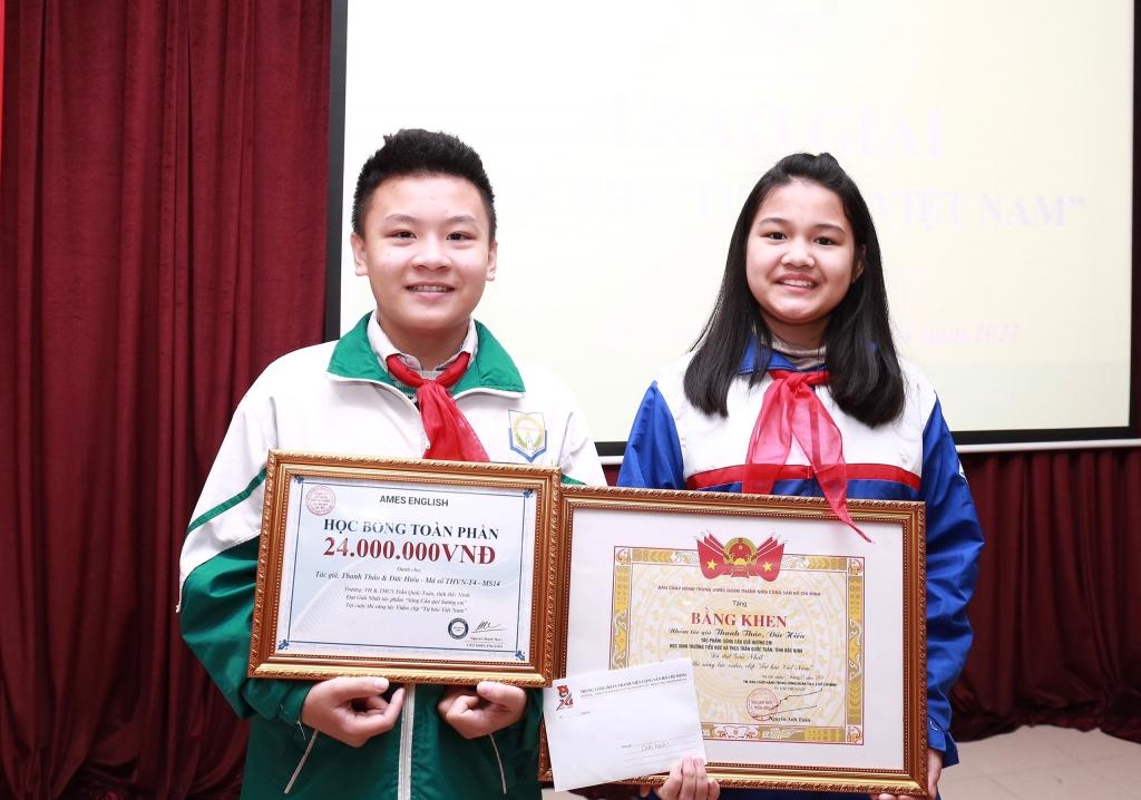 Hai tác giả Thanh Thảo - Đức Hiếu giành giải Nhất cuộc thu
