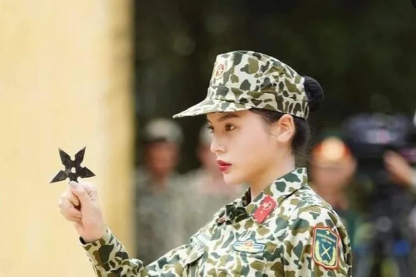 """Loạt hình ảnh cực ngầu của Hoa hậu Kỳ Duyên trong """"Sao nhập ngũ"""""""