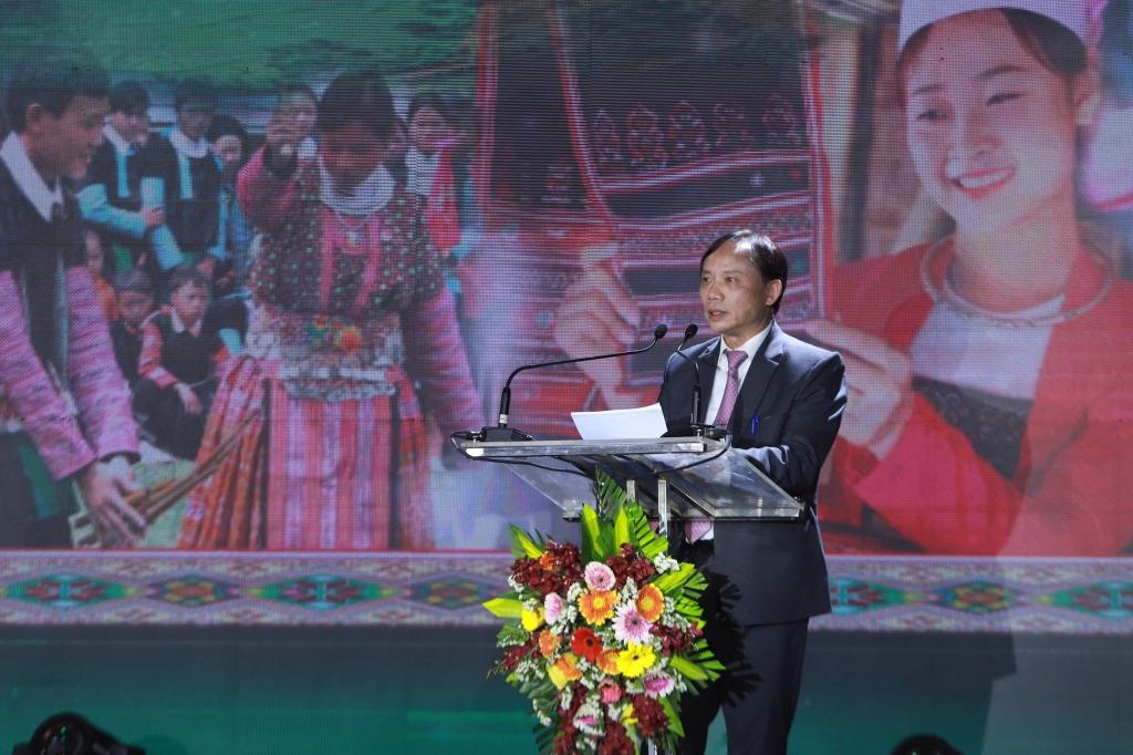 Chủ tịch UBND tỉnh Hoà Bình Bùi Văn Khánh phát biểu khai mạc