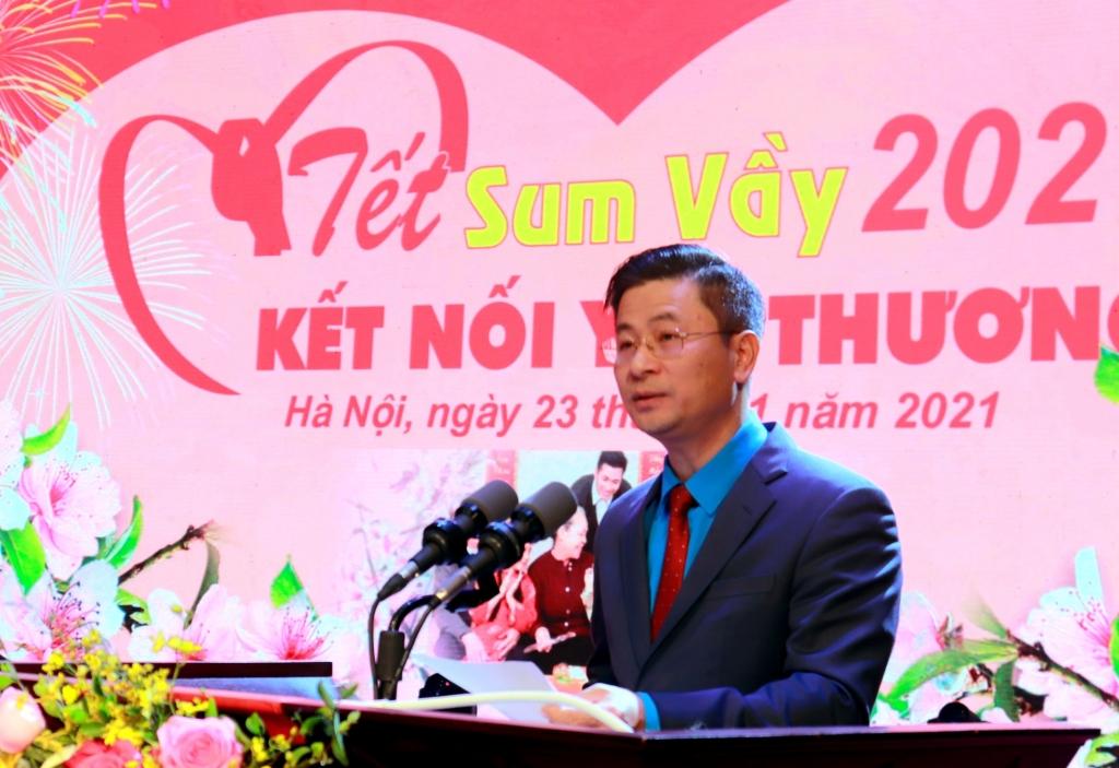 Chủ tịch Liên đoàn Lao động TP Nguyễn Phi Thường phát biểu tại chương trình