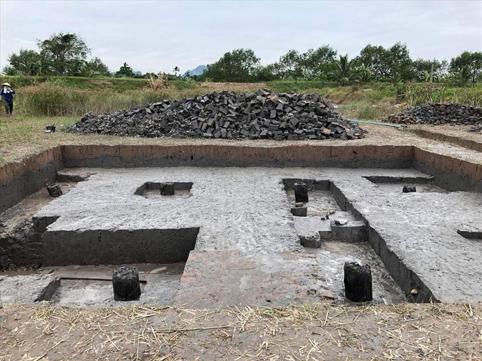 Bãi cọc ở đầm Lải, xã Yên Đức được khai quật năm 2017. Ảnh tư liệu Bảo tàng Quảng Ninh