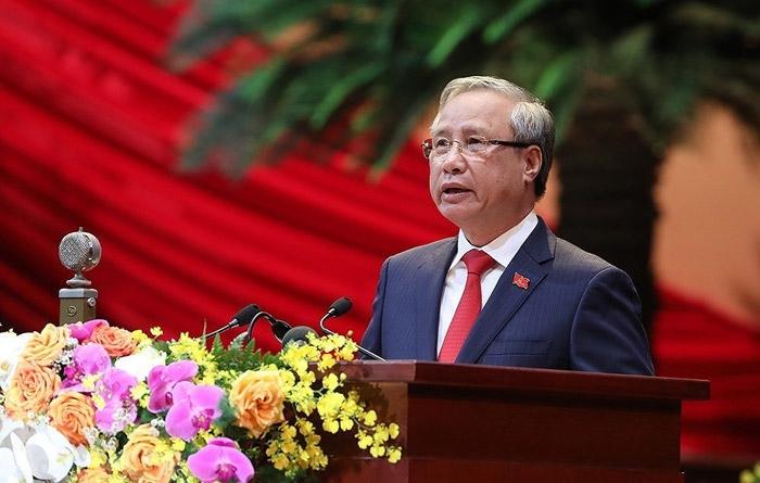 Đồng chí Trần Quốc Vượng, Ủy viên Bộ Chính trị, Thường trực Ban Bí thư đọc Báo cáo kiểm điểm sự lãnh đạo, chỉ đạo của Ban Chấp hành Trung ương Đảng khóa XII