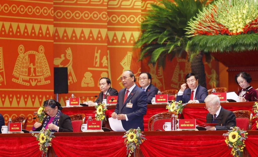 Thủ tướng Nguyễn Xuân Phúc điều hành phiên thảo luận tại hội trường Đại hội
