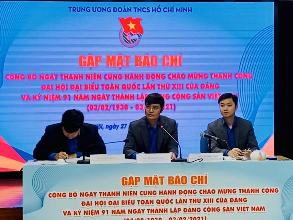 Anh Bùi Quang Huy chủ trì chương trình