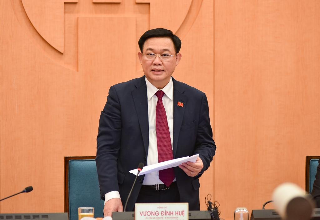 Bí thư Thành ủy Vương Đình Huệ phát biểu tại cuộc họp