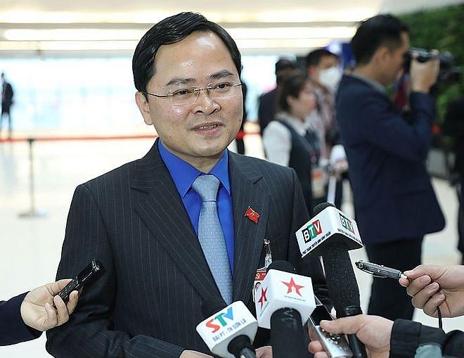 Bí thư thứ nhất T.Ư Đoàn TNCS Hồ Chí Minh Nguyễn Anh Tuấn trả lời báo chí bên lề Đại hội XIII