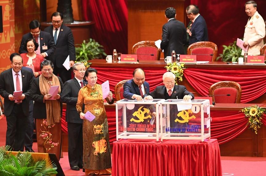 1.587 đại biểu bỏ phiếu bầu Ban Chấp hành T.Ư Đảng khóa XIII