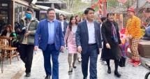 Chủ tịch UBND thành phố Hà Nội tham quan Phố sách Xuân Canh Tý