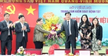 Chủ tịch HĐND TP Hà Nội thăm, chúc mừng Trung tâm Kiểm soát bệnh tật Hà Nội
