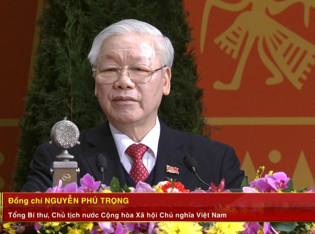 Tổng Bí thư khóa XIII Nguyễn Phú Trọng thay mặt Ban Chấp hành Trung ương Đảng phát biểu ra mắt Đại hội.