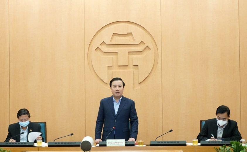 Phó Chủ tịch UBND TP Chử Xuân Dũng phát biểu tại phiên họp